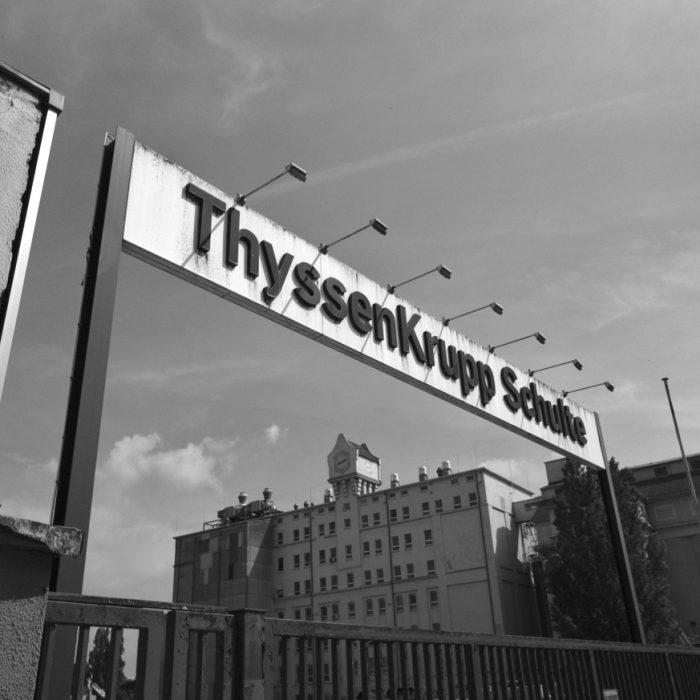 Einfahrt ThyssenKrupp