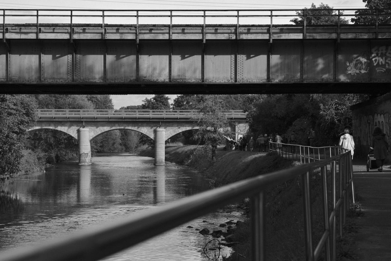 Zwei Eisenbahnbrücken